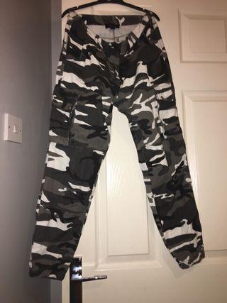 Size 8 khaki vamp trousers