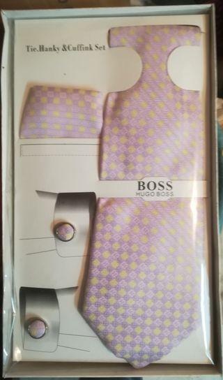 Caja corbata pañuelo y gemelos seda