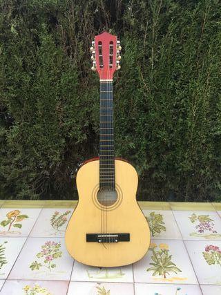 Guitarra española infantil Bontempi. Buen estado.