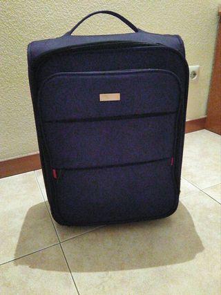 Se regala maleta