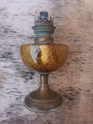 Lámpara de petróleo vintage antigua naranja
