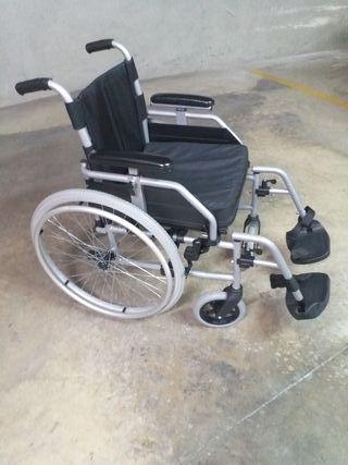 Silla de ruedas, perfecta para inerior y exterior