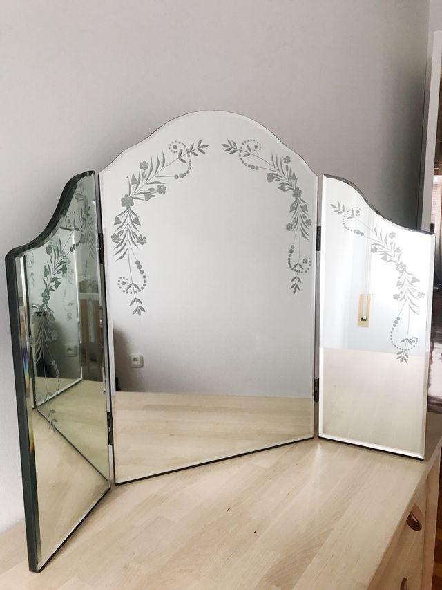 Espejo para tocador de 3 hojas de Laura Ashley