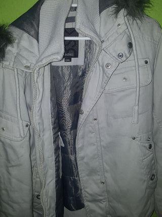 abrigo bershka hombre