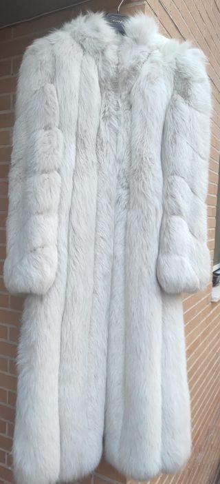 Abrigo de zorro blanco