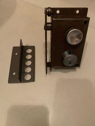 Cerradura AVL 2240-Izquierda