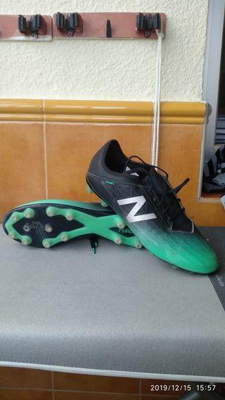 Vendo botas de fútbol new balance