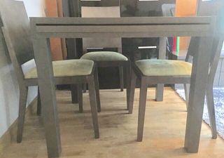 Mesa comedor extensible + 4 sillas madera gris