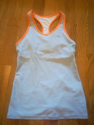 Camiseta Nike con top