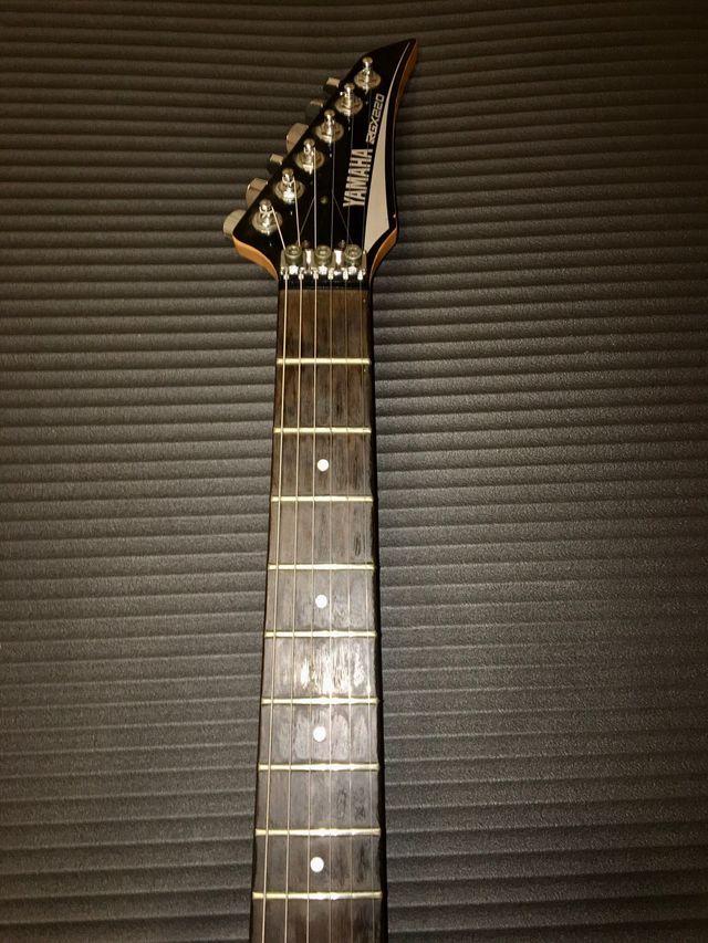 Guitarra Eléctrica YAMAHA RGX220