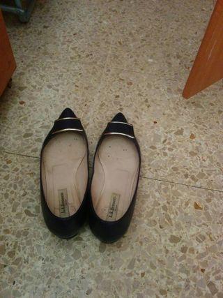 Zapatos con tacón bajo