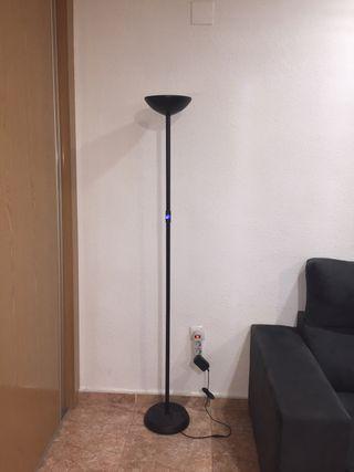 Lámpara pié moderna, negra, intensidad regulable