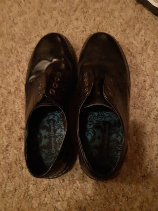 size 4 brogues