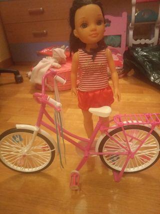 Nancy con bicicleta