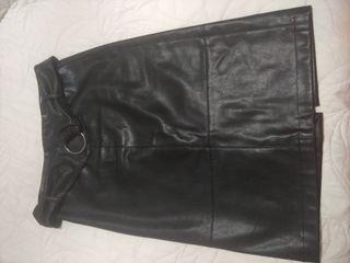 Falda de Zara efecto piel