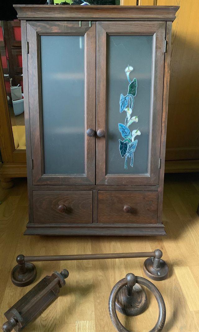 Pequeño armario, y accesorios madera para baño de segunda ...