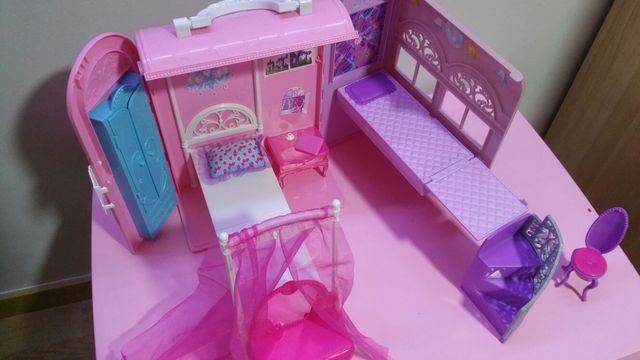 Casa maletín de Barbie