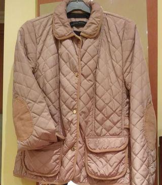 chaqueta con coderas y bolsillos
