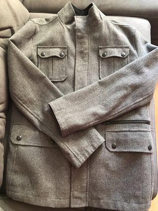 Abrigo de paño gris de hombre