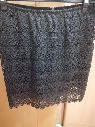 Falda corta negra brocada