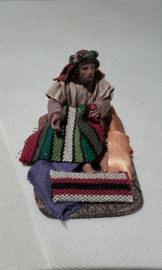 Figura belén vendedor de alfombras
