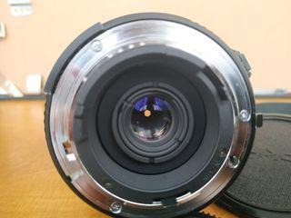 Tokina 20-35 f3,5 AF montura Nikon Full Frame