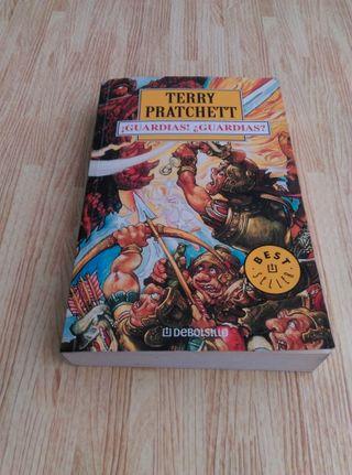 Libro ¡Guardias! ¿Guardias? de Terry Pratchett