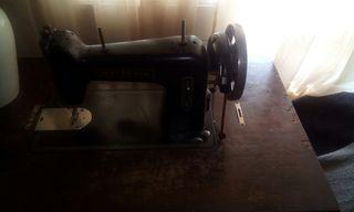 Maquina Singer antigua