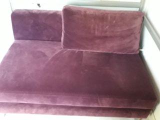 sofá terciopelo morado