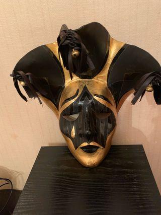 Máscara y antifaz