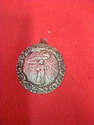 maravillosa medalla de plata Ángel de la guarda