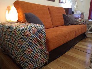 sofá de dos plazas anchas