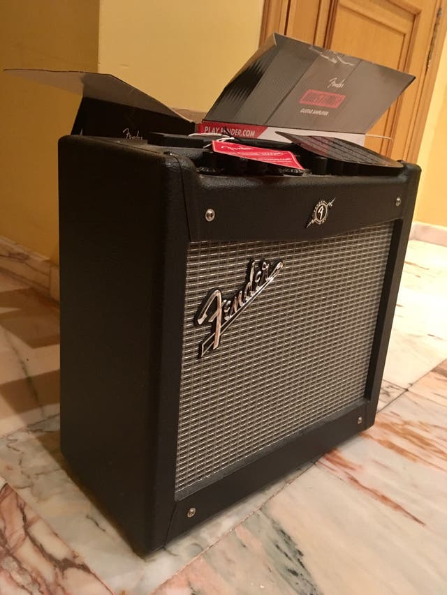 Amplificador Guitarra Fender Mustang