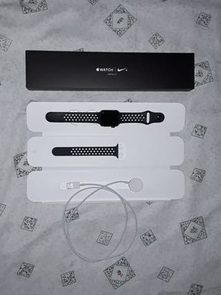 Apple Watch Nike + Series 3 (38 mm)