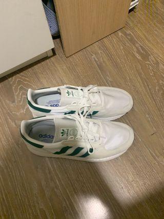 Zapatillas adidas hombre de segunda mano en Vitoria Gasteiz