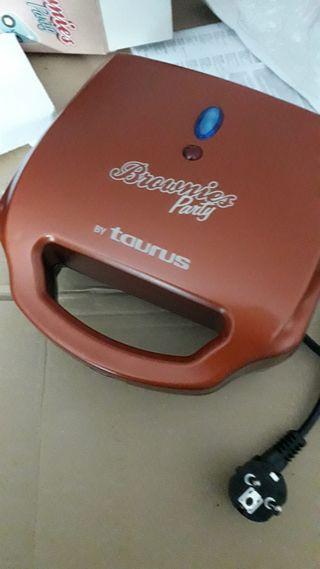 Máquina para hacer Brownies. Modelo Taurus.
