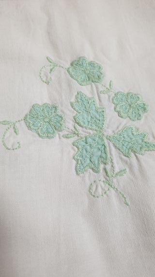 Sabana bordada de algodón