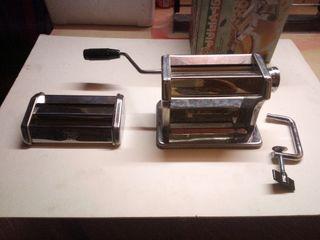 maquina de hacer pasta fresca