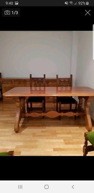 Se vende mesa nogal madera maciza