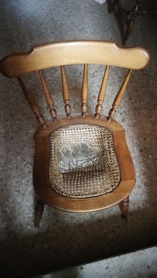 sillas madera.