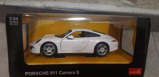 Coche Miniatura Porche 911 Blanco Peana y caja Escala 1:32