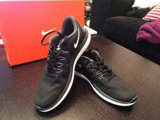Zapatillas Nike totalmente nuevas