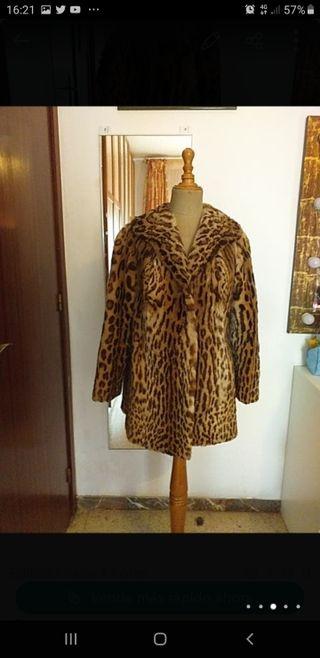 Abrigo piel auténtica estampado leopardo