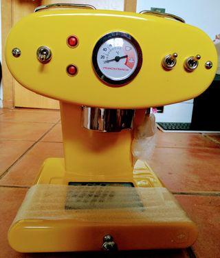 Maquina de café espresso Illy X1 nueva
