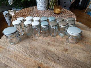 Lot 16 bocaux en verre pour épices