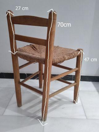 silla de madera y enea