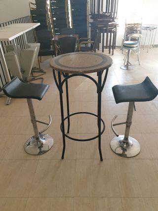 Mesas y taburetes varios modelos