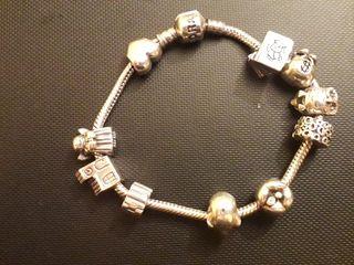Pulsera Pandora con 10 charms