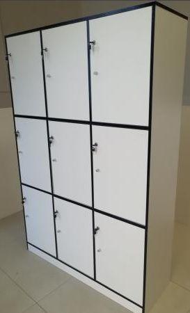Taquilla Madera MDF 9 Puertas con cerradura