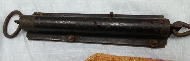 Báscula de gancho en bronce y Hierro. Marca Salter